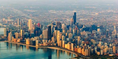 午後のフライトでシカゴへ