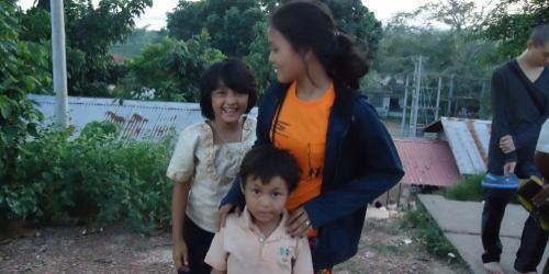 ヤンゴン郊外の孤児たちの生活