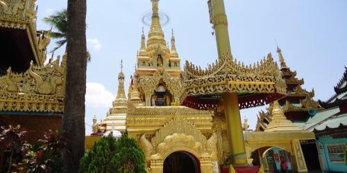ヤンゴン暑い!